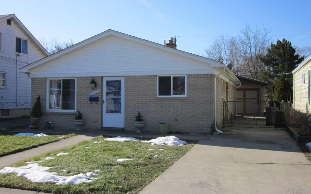 30539 Alger in Madison Heights