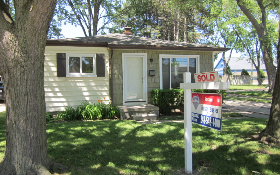 SOLD 1757 E Greig in Madison Heights 48071