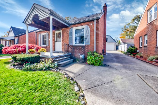 I am Very Proud to Introduce 26145 Brettonwoods Street in Madison Heights, 48071!! This Beautiful Home is being Offered for $173,333!