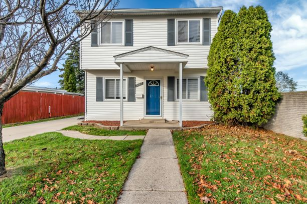 I am Super Excited to Introduce 30817 Alger Blvd in Madison Heights, 48071!! This Terrific Home is being Offered for $138,888!