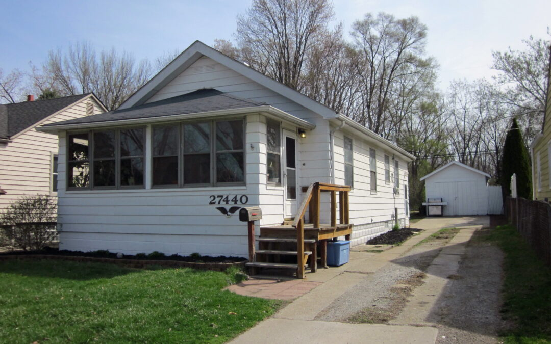 I am Excited to Introduce 27440 Park Court in Madison Heights, 48071!! This Adorable Home is being offered for $137,777!