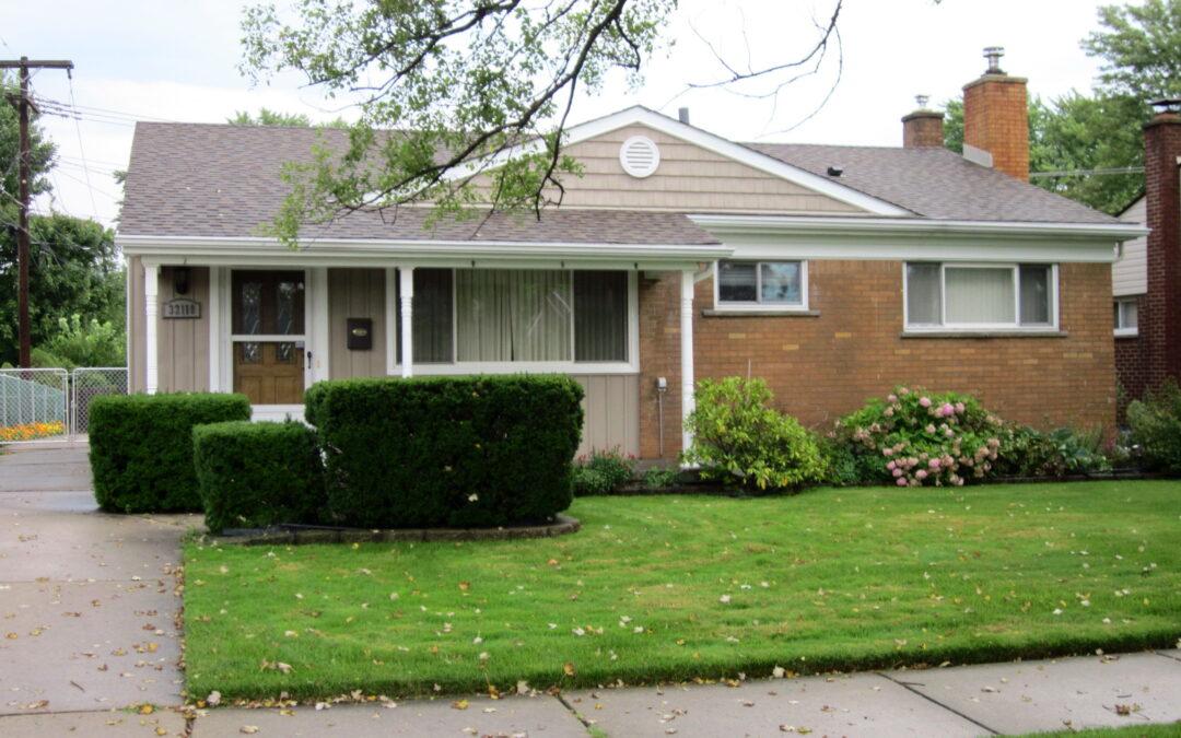 SOLD - 32110 Thorncrest Saint Clair Shores 48082